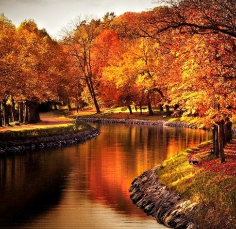 River sto autumn