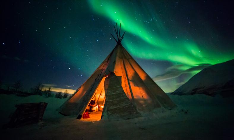 tour di gruppo e viaggi organizzati scandinavia e paesi baltici l 39 aurora boreale a troms. Black Bedroom Furniture Sets. Home Design Ideas