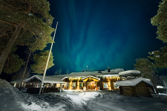 Wilderness hotel nellim main building northernlights